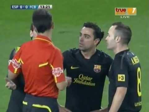 """Tiểu xảo của """"Messi"""" Không qua mắt được trọng tài."""
