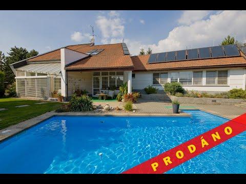 Prodej luxusní vily 7+1 se 3 koupelnami, zimní zahradou, bazénem a saunou v brněnské čtvrti Útěchov
