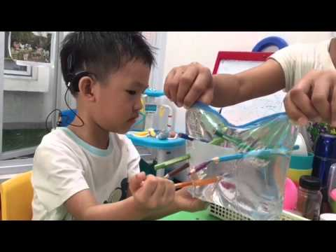 Leak Proof Bag Experiment - Fun & Easy Kids Science Experiment (видео)