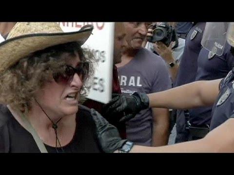 Πορτογαλία: Οργή από τους καταθέτες της Novo Banco
