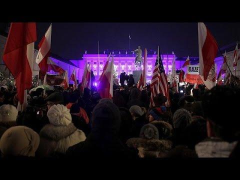 Στην πολιτική κρίση βυθίζεται η Πολωνία