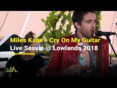 Miles Kane - Cry On My Guitar | Live Sessie @ Lowlands 2018