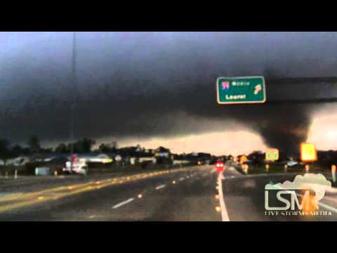13 - RAW Footage of the Hattiesburg, MS tornado on the west side of town. Also, damage footage is in there as well. Video is NOT FOR BROADCAST without expressed w...