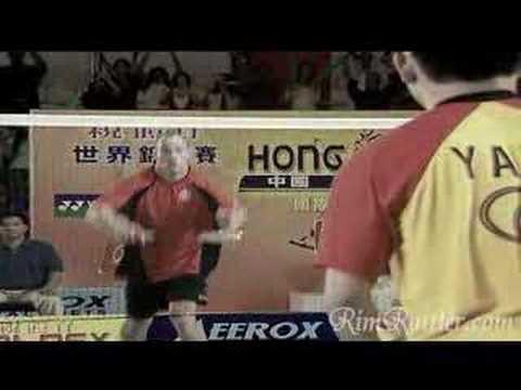 David Ortiz and Brian Urlacher Play Badminton