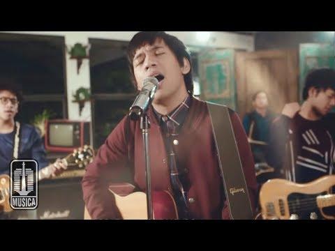 Download Lagu D'MASIV - Dengarlah Sayang (Official Video) Music Video