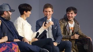 Nonton Fantastic Beasts And Where To Find Them Cast Interview With Eddie Redmayne  Ezra Miller Film Subtitle Indonesia Streaming Movie Download