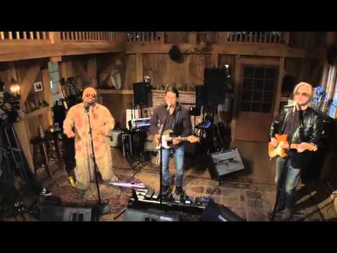 Daryl Hall f/ Cee Lo - I Can't Go For That (Live from Daryl's house) (видео)