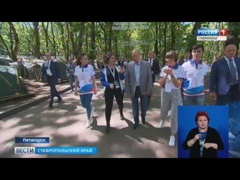 Сирийская девушка поблагодарила Владимира Путина за мир - DomaVideo.Ru