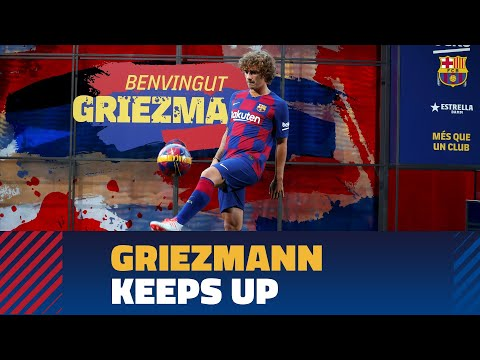 Antoine Griezmann touches the ball for the first time at Camp Nou