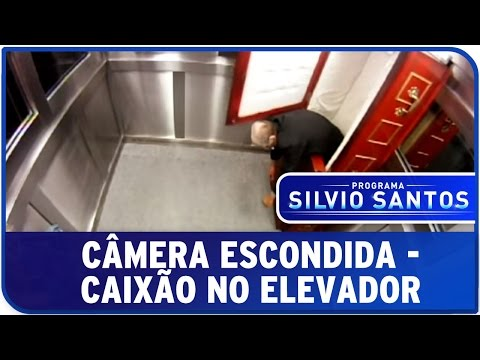 morto - Cmera Escondida Indita! Caixo e morto causam pnico em elevador - Programa Silvio Santos.