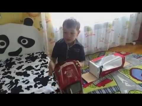 Самый маленький фанат получил подарок от любимой команды Феррари