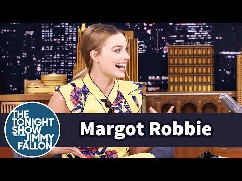"""شاهد- مارجو روبي تكشف عن جنونها بموسيقى الـ """"هيفي ميتال"""" في مراهقتها"""