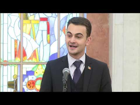 Igor Dodon a înmînat înalte distincții de stat unui grup de cetățeni ai Republicii Moldova