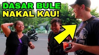 Video PRANK BULE BELI SEMPAK, DIPUKUL EMAK2 MP3, 3GP, MP4, WEBM, AVI, FLV Januari 2019