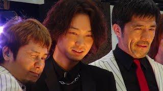 綾野剛、東京スカパラダイスオーケストラ、Ken Yokoyama/映画『日本で一番悪い奴ら』新宿日悪署落成式セレモニー