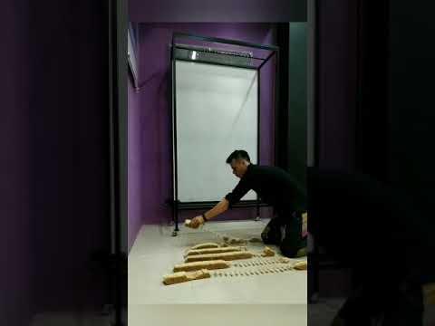 Instalasi Wajah Jokowi dari Korek Api