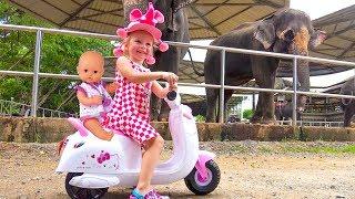 Video ركوب Nastya وطفل رضيع إلى حديقة الحيوان فيديو للأطفال MP3, 3GP, MP4, WEBM, AVI, FLV Agustus 2018