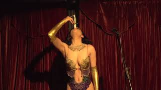 Video: Sword Swallowing (talking act) for Vaudeville @ Bordel