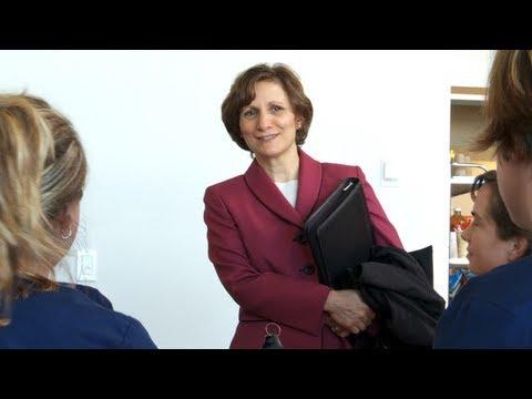 Suzanne Bonamici Visits Community College and Job Retraining Programs in Astoria