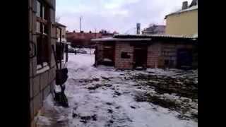 Чистим первый снег