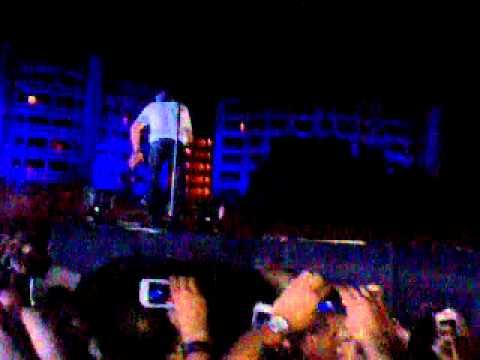 Enrique Iglesias – Hero Live in Egypt