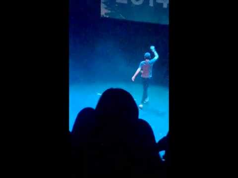 thedigitour - Trevor Moran singing Fancy in Vancouver at