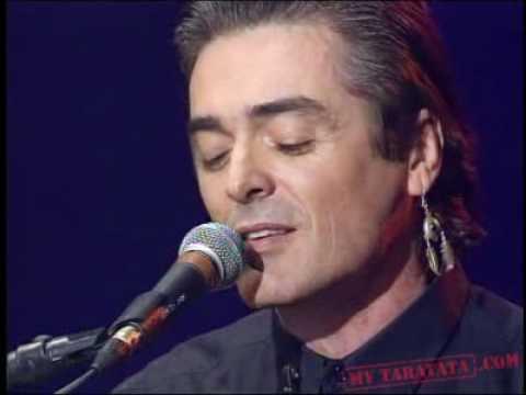 Tekst piosenki Daniel Lavoie - Ils s'aiment po polsku