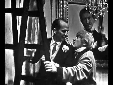 Kabaret Starszych Panów - Całuj wuja z dubeltówki
