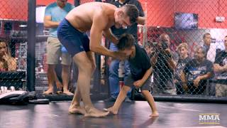 Chris Weidman's kids crashed UFC on FOX 25 open workouts ahead of the former middleweight champ's headlining fight against Kelvin Gastelum in New York. Subscribe: http://goo.gl/dYpsgHCheck out our full video catalog: http://goo.gl/u8VvLiVisit our playlists: http://goo.gl/eFhsvMLike MMAF on Facebook: http://goo.gl/uhdg7ZFollow on Twitter: http://goo.gl/nOATUIRead More: http://www.mmafighting.comMMA Fighting is your home for exclusive interviews, live shows, and more for one of the world's fastest-growing sports. Get latest news and more here: http://www.mmafighting.com
