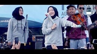 Video Adem & Syahdu Banget, Nissa Sabyan Gambus ★ Qomarun MP3, 3GP, MP4, WEBM, AVI, FLV Agustus 2018