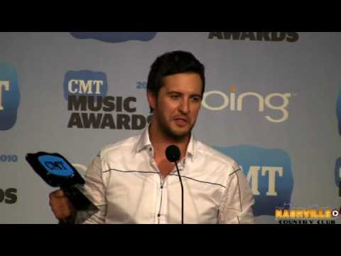 Luke Bryan Backstage at CMT Awards 2010