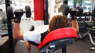 大胸筋上部をがっちり鍛えたい方に!「インクラインベンチプレス」