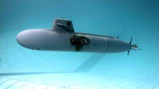 Modell-UBoote Im Pool, RC Submarine