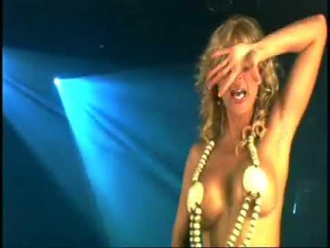 Malena Gracia - Bombón latino (Videoclip Oficial)