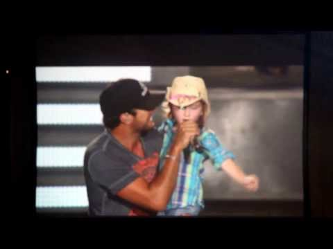 someoneelse - Luke Bryan pulls 6 year old Kylee out of the crowd to sing to her, but it ends up shes the one singing to Luke! The song is Someone Else Calling You Baby. :)...