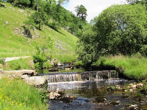 Clapham to Ingleborough Cave and Gaping Gill round | yorkshire dales  Walks