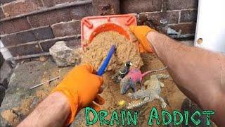 Facet pokazuje jak wygląda praca udrażniacza rur kanalizacyjnych