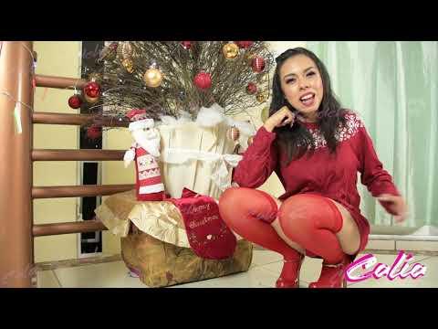 Me pruebo medias rojas para navidad