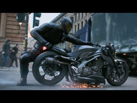 Fast and Furious: Hobbs and Shaw / Chase Scene (Bike Transformation)