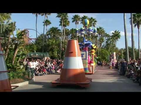 Video Pixar Pals Countdown to Fun Parade  01/16/11 Disney's Hollywood Studios, Walt Disney World download in MP3, 3GP, MP4, WEBM, AVI, FLV January 2017