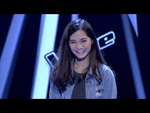 The Voice Thailand – วี วิโอเลต – Leaving On A Jet Plane – 29 Sep 2013