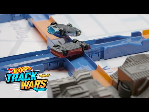 Pembalap Jam Sibuk | Track Wars | Hot Wheels