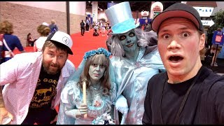 ▶ Follow me on Instagram - http://instagram.com/coolduder▶ Follow me on Twitter - https://twitter.com/shawncphillips Video going to the D23 Expo 2017 which is a Disney Convention. Im my video I hang out with Adam the Woo from the youtube channel The Daily Woo. We walk around and tour the convention and show some of the cosplay and items for sale.  #d23expo #d23 #d23expo2017