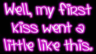 Video My First Kiss - 3OH!3 ft. Ke$ha Lyrics MP3, 3GP, MP4, WEBM, AVI, FLV Juli 2018