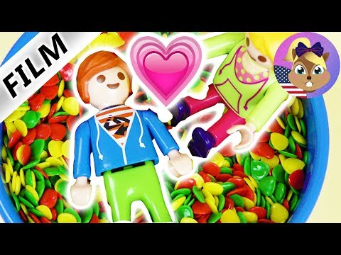 Playmobil Film English | JULIAN IS IN LOVE?! Mia is excited! | Kids series Smith Family