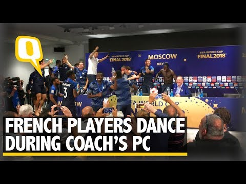 French Players Dance on the Table During Coach's Press Conference | The Quint (видео)