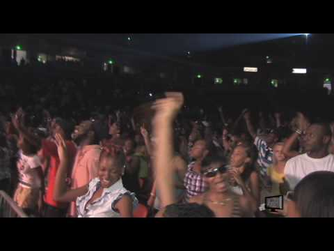 Gucci Mane - Plies Performing Wasted Live