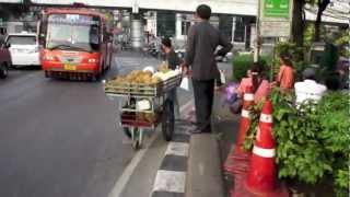 タイの通り・街並ラーチャダムリ通り