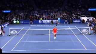 Pięknie go załatwił! Mały chłopiec w świetnym stylu wygrał wymianę z Federerem!