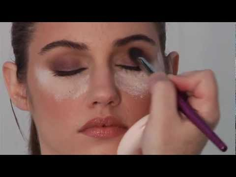 10 Minute Smoky Eye Make Up Tutorial Video with Robert Jones